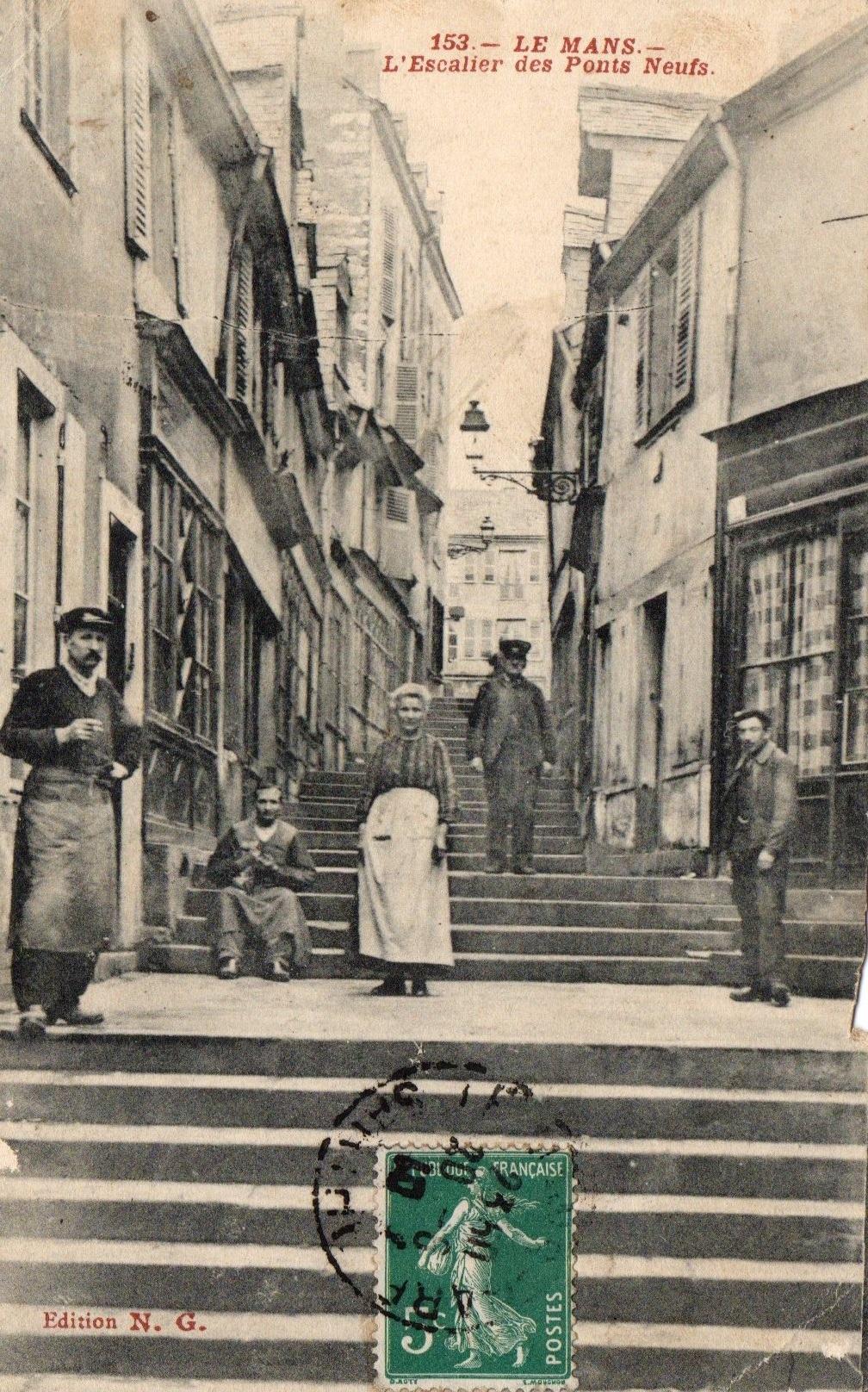 https://static.blog4ever.com/2015/02/794874/Carte-postale-rue-du-petit-Pont-Neuf-1910.jpg