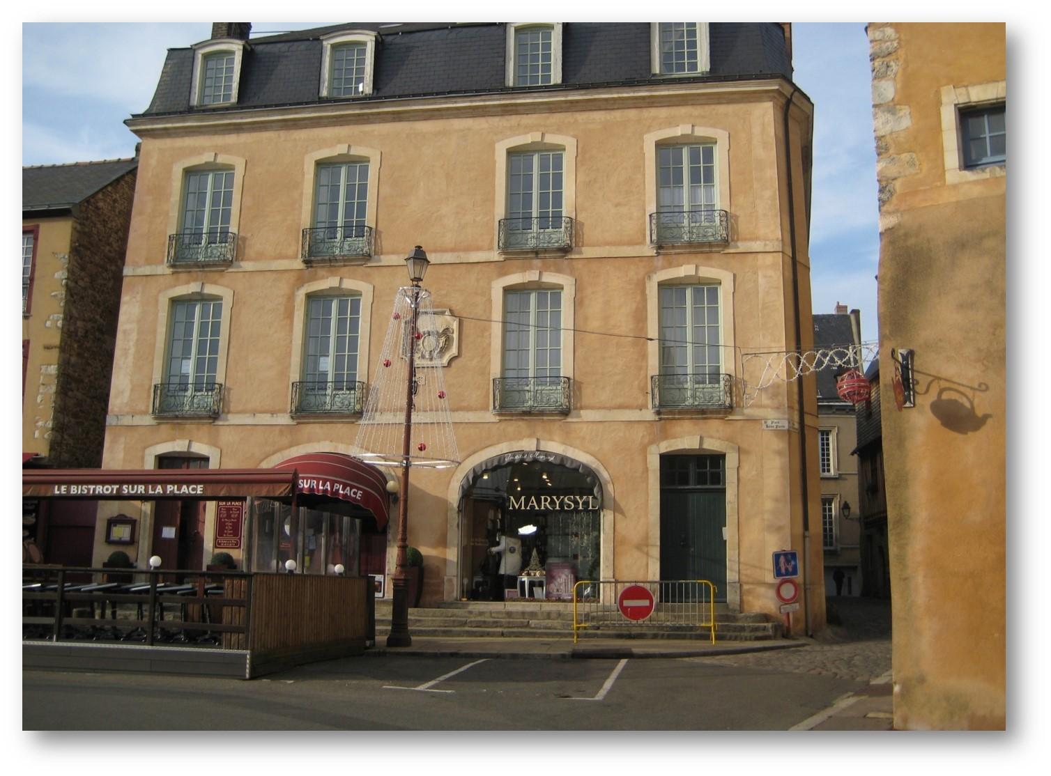 https://static.blog4ever.com/2015/02/794874/Maison-St-Michel.jpg