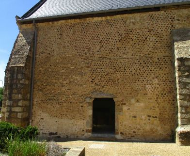 église Savigné 392X322
