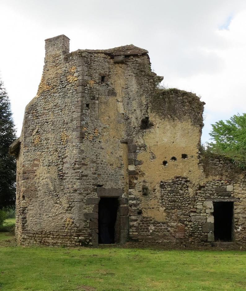 Vieux-Château à Juillé