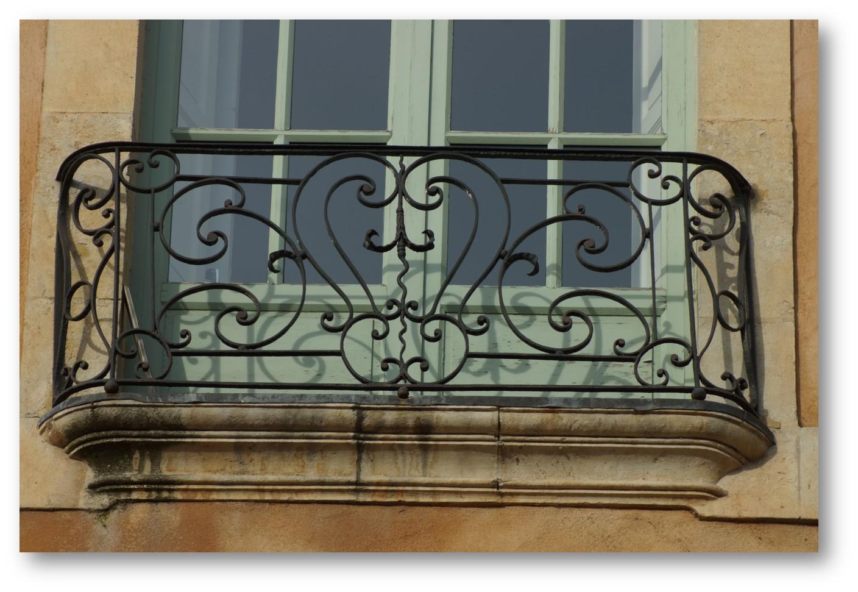 https://static.blog4ever.com/2015/02/794874/balcon-Maison-St-Michel.jpg