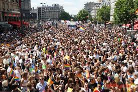 gay pride paris.jpg