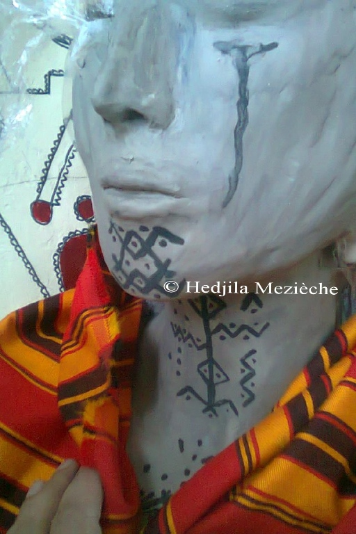 Portrait femme kabyle pleurant en souvenir du  Printemps Berbère
