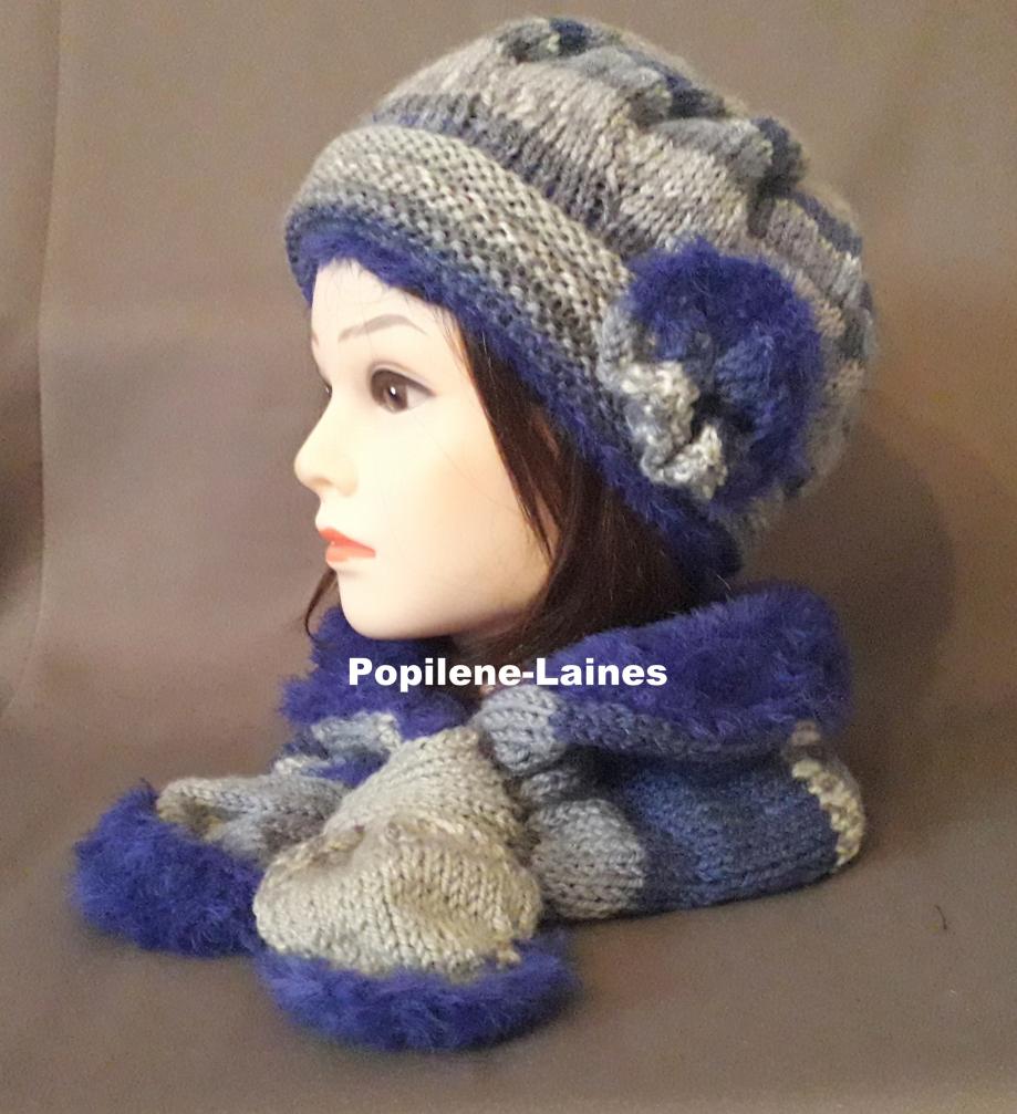 Ensemble bonnet et écharpe doublée Le bonnet est tricoté au point de godron et jersey, il est doublé sur la hauteur du point godron. L'écharpe doublée est un tour de cou Marque Yarns, qualité Jacquart : 50% laine,50% acrylique