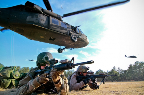 spectacular_actions_photos_of_airplanes_and_helicopters_46.jpg