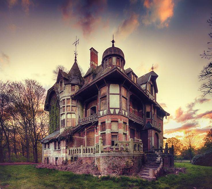 maison ciel rouge.jpg
