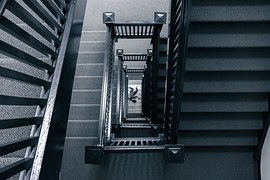 escalier meurtre.jpg