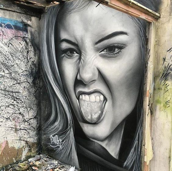 mur tirage de langue.jpg