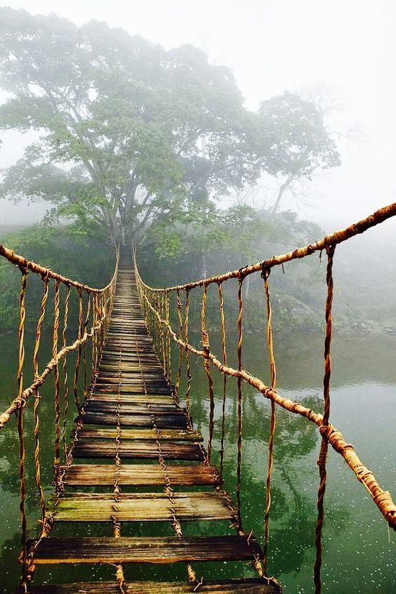 pont suspendu dangereux vietnam.png
