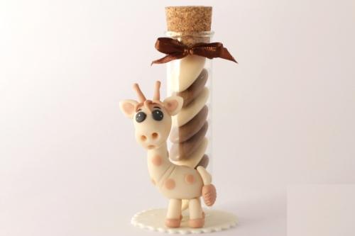 Girafe porcelaine froide éprouvette 10 cm.jpg