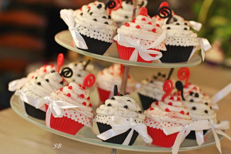cup cake (4)_Fotor.jpg
