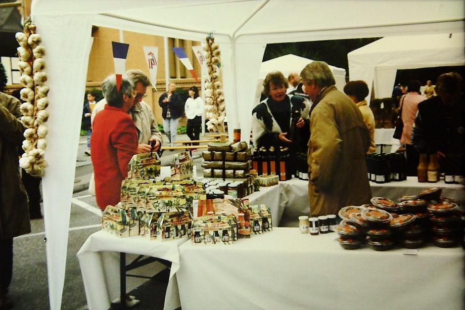 1996-ProvMarkt Platz-LP.jpg