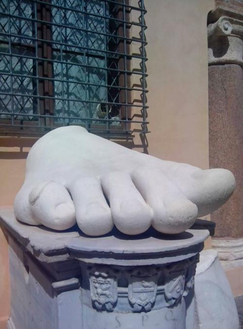 01 Rome à pieds Constantin I.jpg