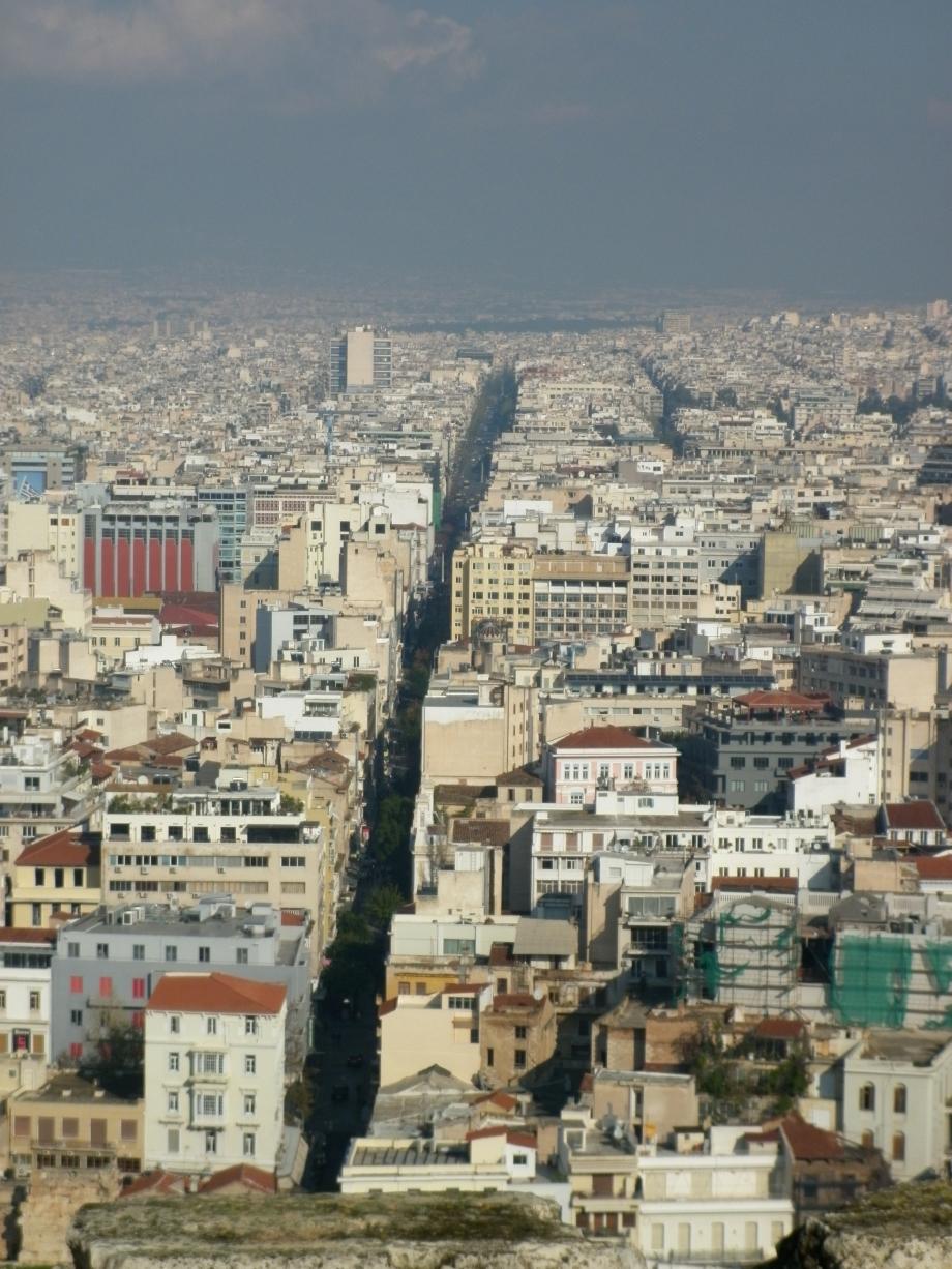 2012 Grèce Athènes Acropole Vue rue Athinas 02.JPG