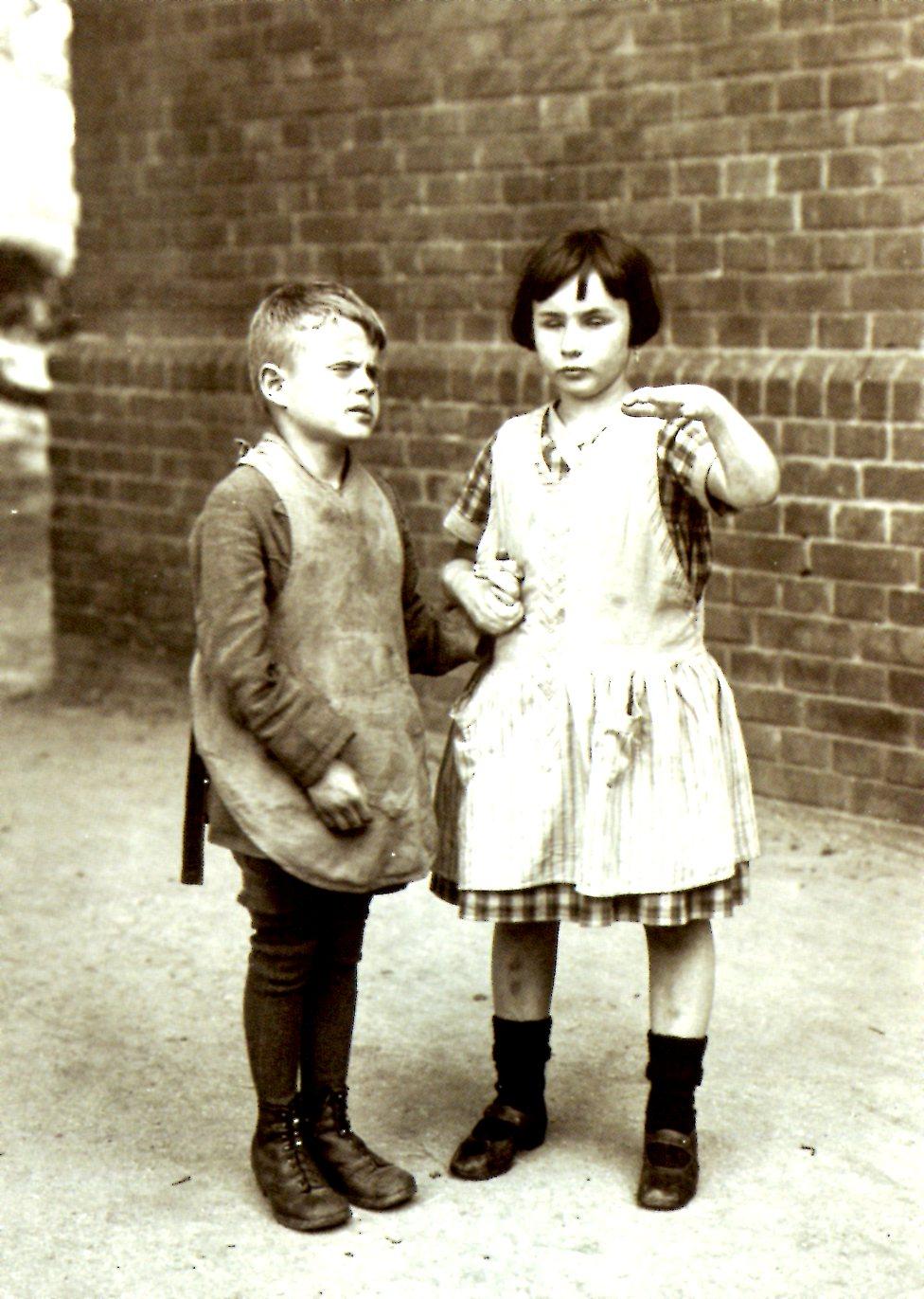 1925 Sanders August Enfants aveugles.jpg