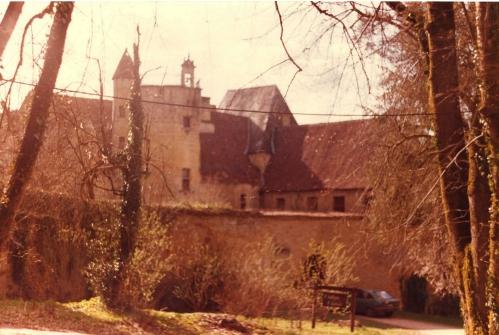 Château de Bernard Beson avant réfection1978 (frizou).jpg