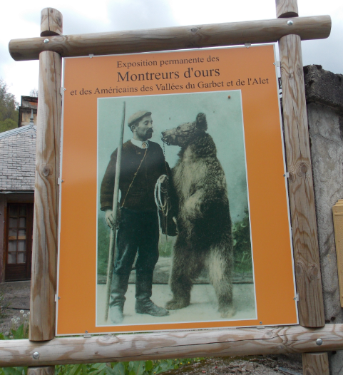 montreurs d'ours musée.PNG
