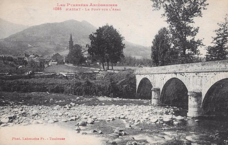 le pont sur l'Arac Massat.PNG