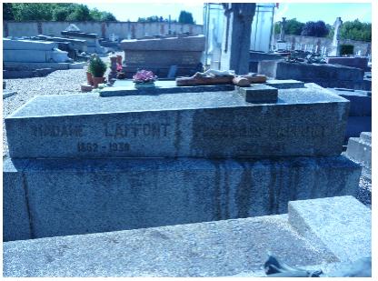 tombe Laffont.PNG