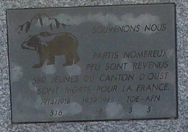 monument porte de Kercabanac.PNG