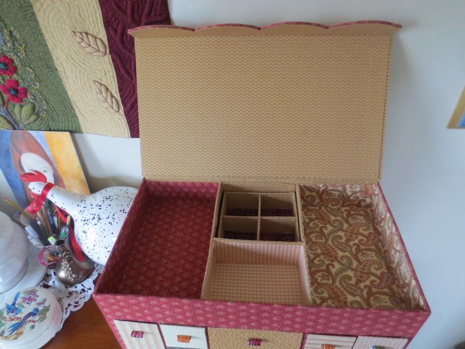 roses et boîte 009.JPG
