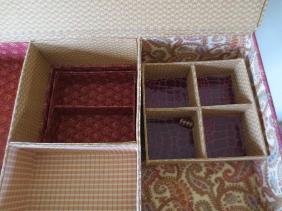 roses et boîte 010.JPG