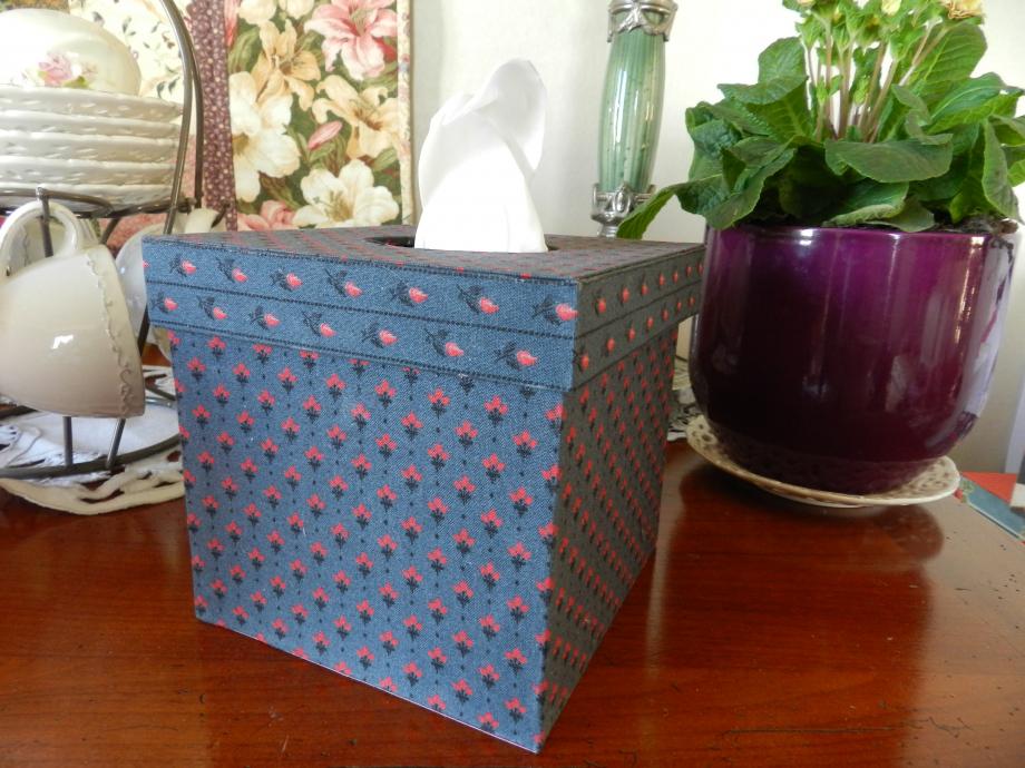 Boîtes à mouchoirs 003.JPG