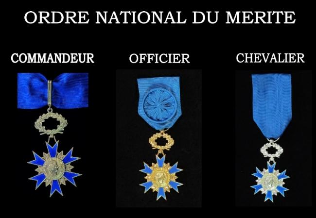 Mérite National grade.jpg