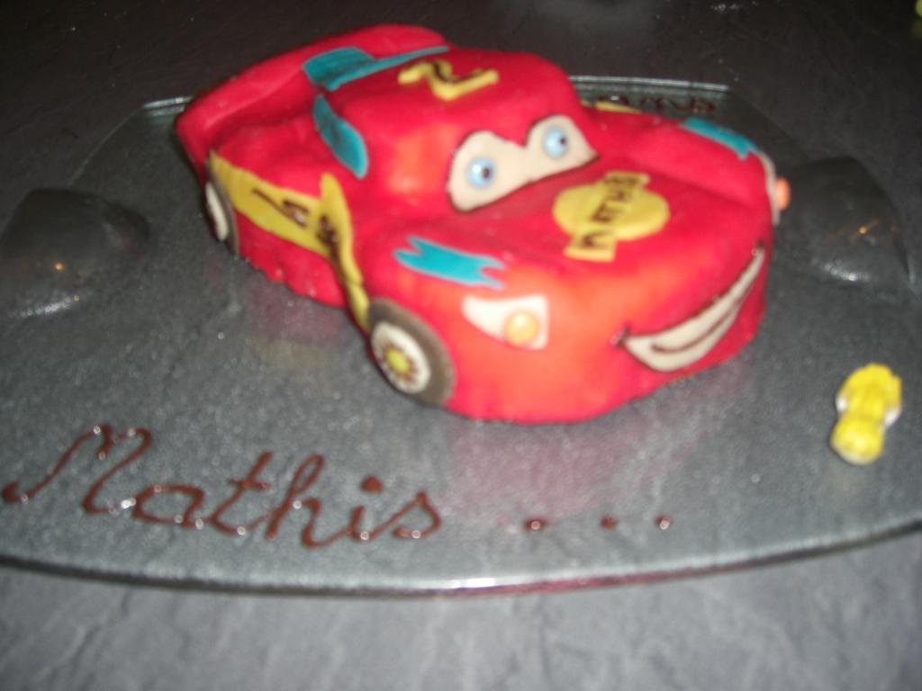 Gâteau Anniversaire Garçon 2 An Flash Mac Queen Du Dessin
