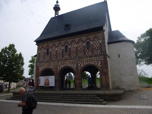 Visite à l'abbaye de Lorsch.JPG