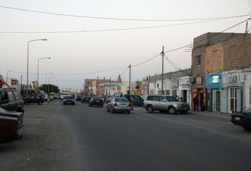NouadhibouBlvdMedian.jpg