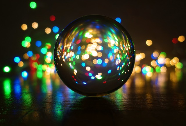 crystal-ball-photography-3884125_640.jpg