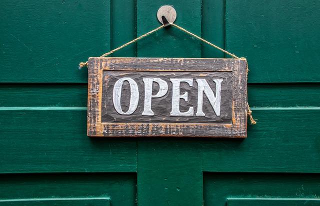 open-4033043_640.jpg