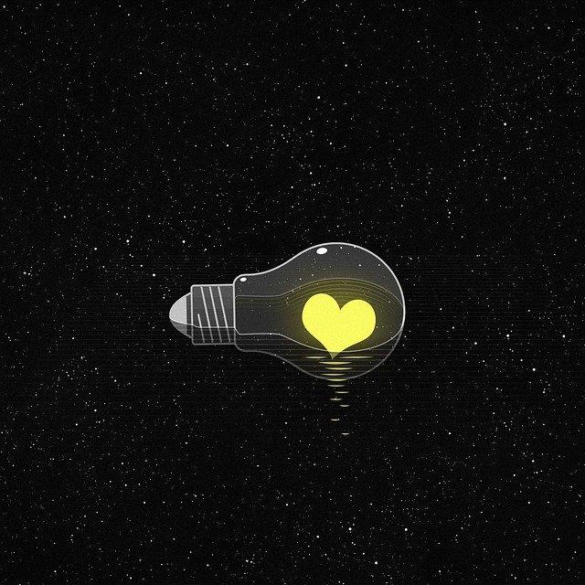 light-bulb-5831252_640.jpg