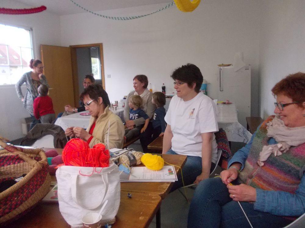 Journée Mondiale du Tricot  vue d'ensemble 2016.jpg