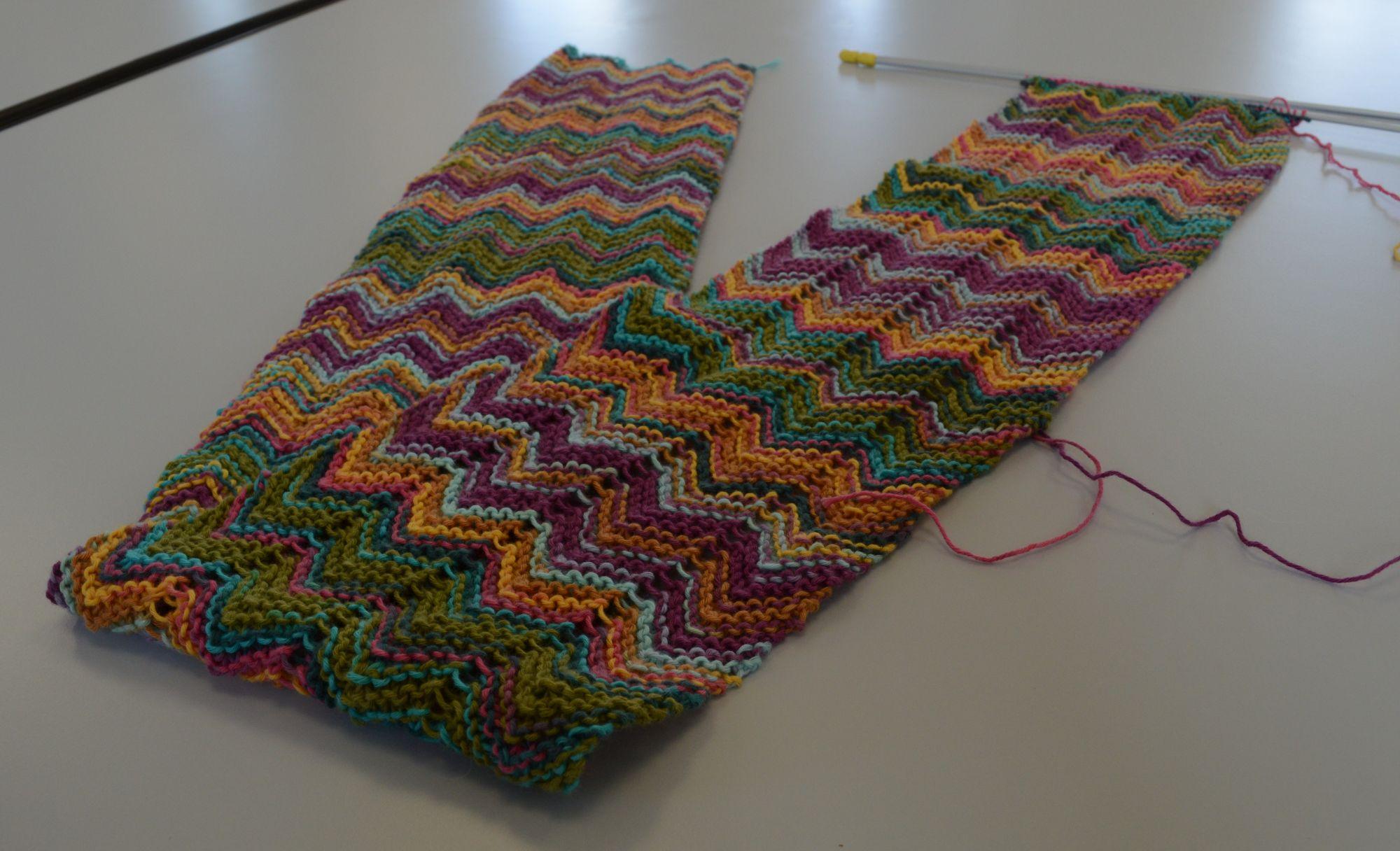 29.07.17 écharpe coton zigzag Tine.jpg