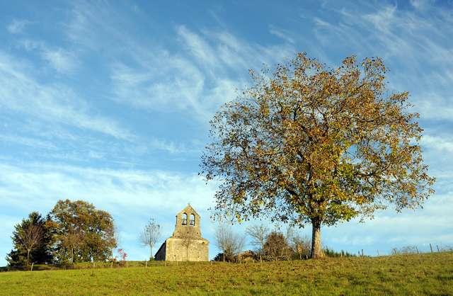 05 - Fongalop - Le clocher mur.jpg