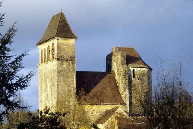 17 - Prats du Périgord - Double clocher mur.jpg