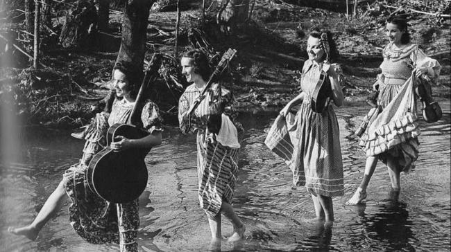 02 The Coon Creek Girls.jpg
