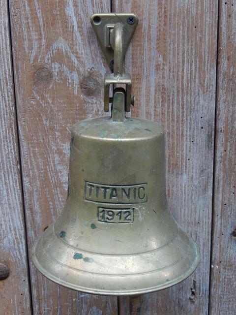 bell-199453_640.jpg