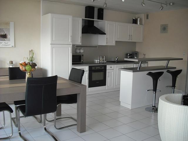 interior-furniture-172705_640.jpg
