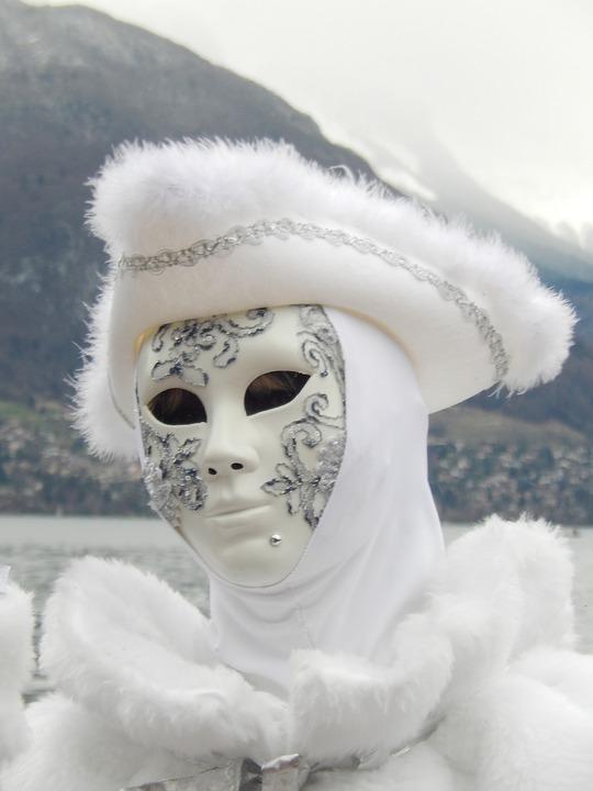 carnival-1215119_960_720.jpg