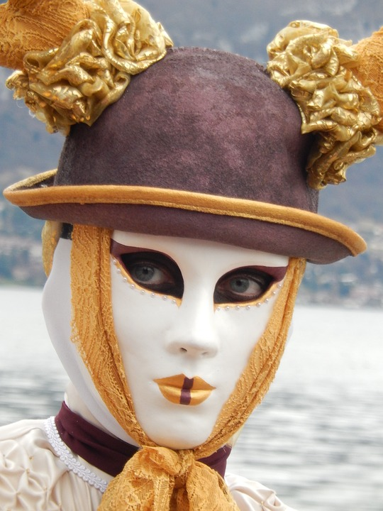 mask-1215205_960_720.jpg