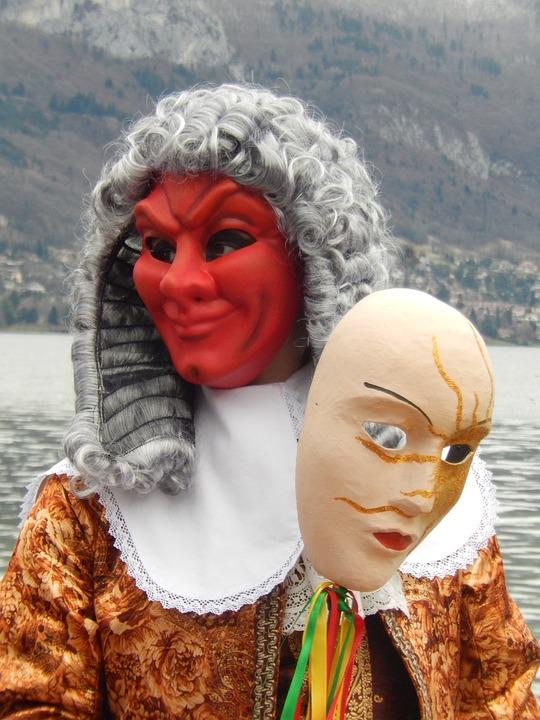 mask-1215216_960_720.jpg