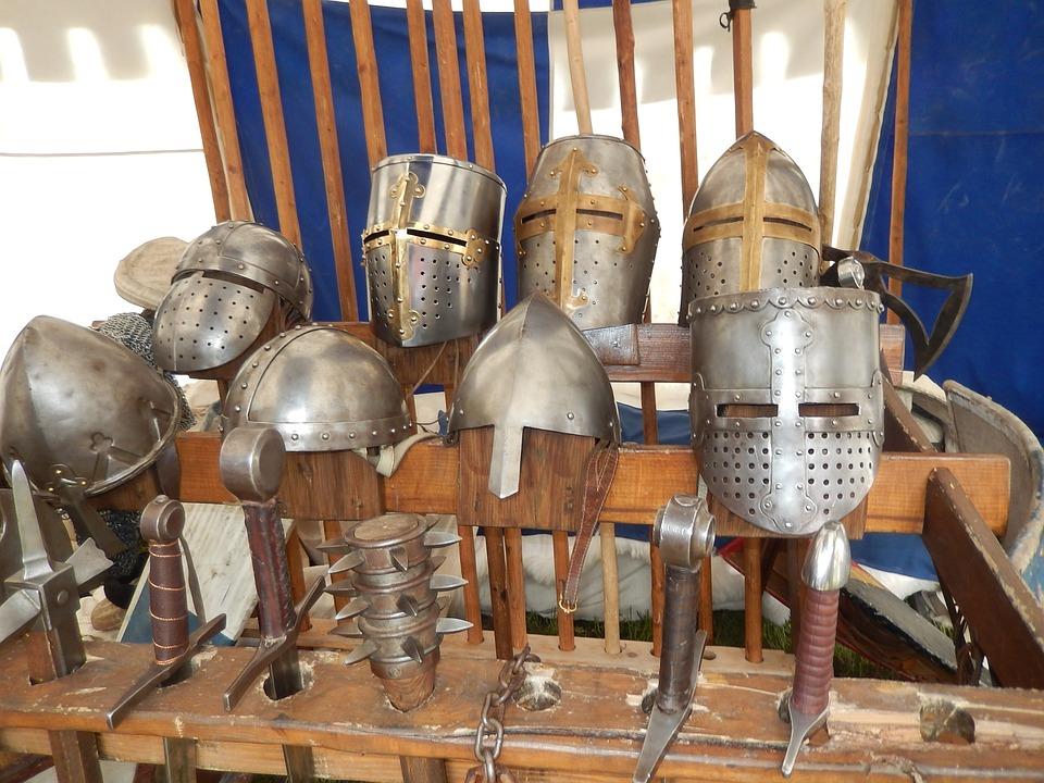 helmets-1386188_960_720.jpg