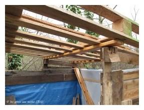 8-Pose de l'armature du toit (Copier).JPG