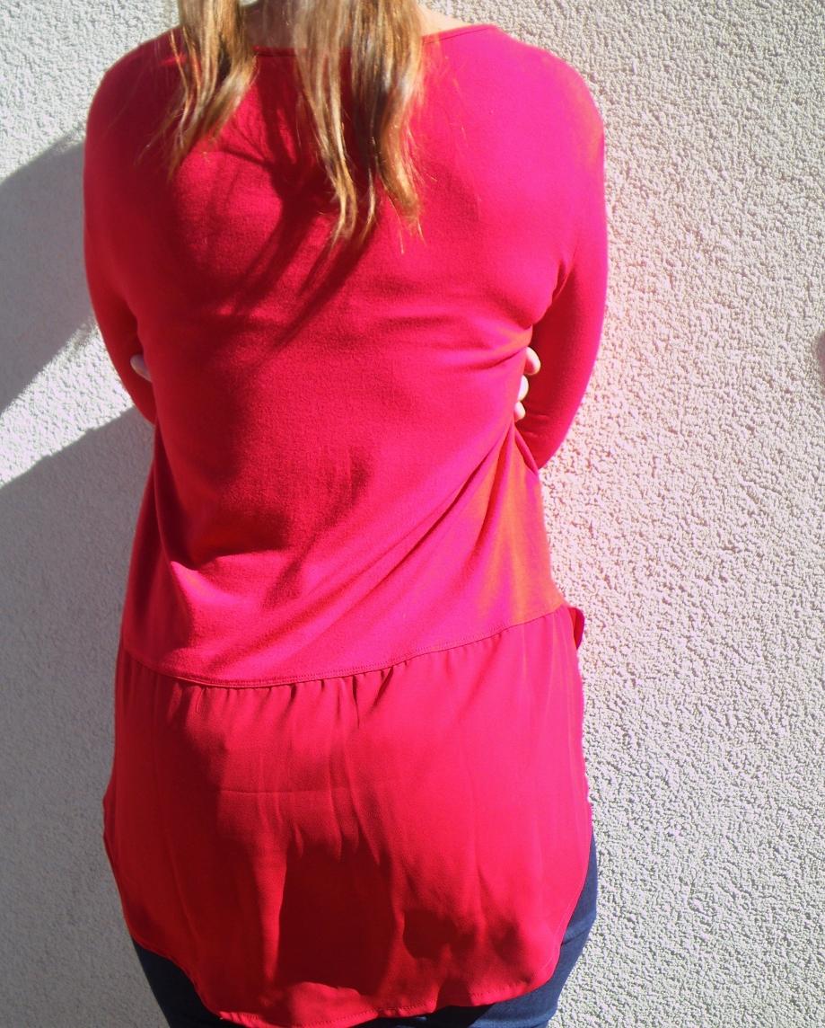 tunique-femme-rouge-bijoux-dos.JPG