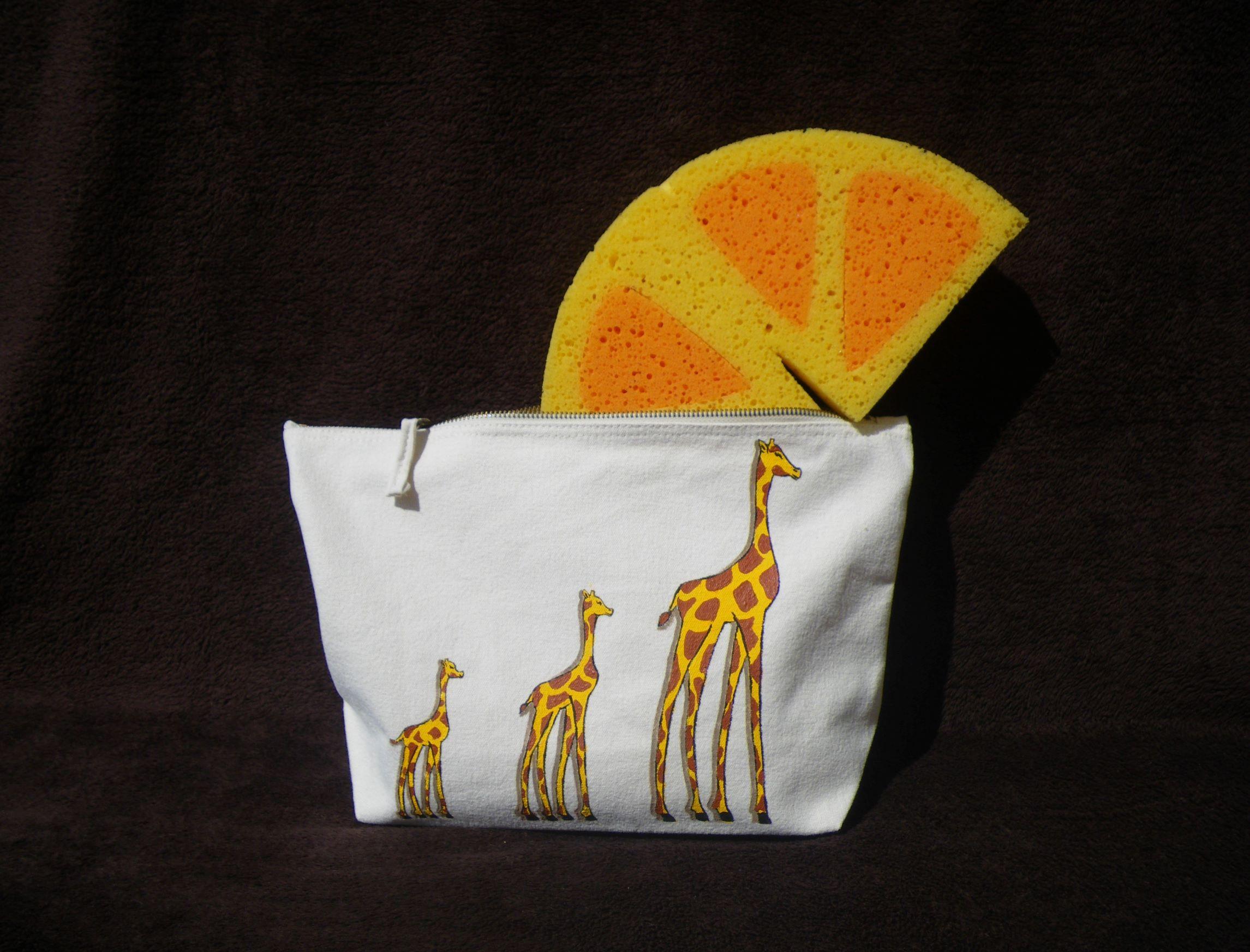trousse-grande-girafe (4)dim.JPG