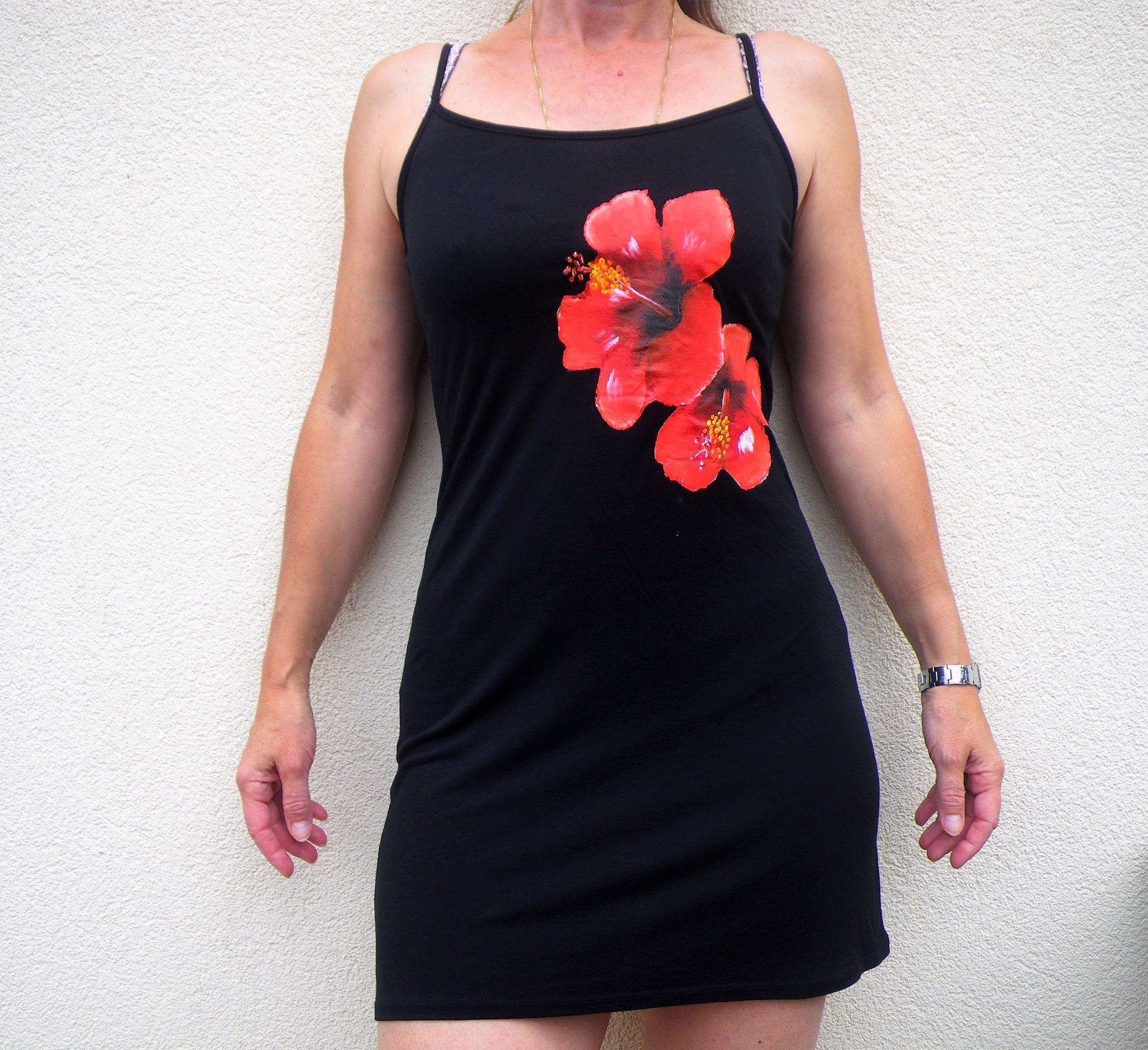 robe-plage-noire-hibiscus-dim.JPG