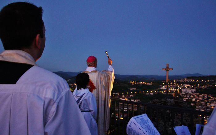 10 - bénédiction du chemin de croix.JPG